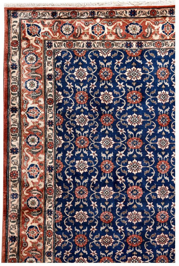 50 Years Old Hand Knotted Persian Rug - Varamin DR468-5219